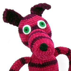 pink-stripe-crochet-dog-pablo-head