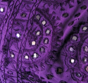purple-mirror-bedspread-03