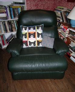 cat-pillow-chair-small