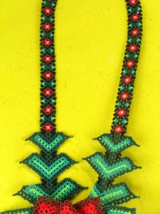 huichol necklace 02