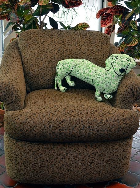 green leaf doxie big chair